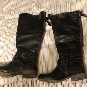 Size 9 1/2 Tall black boots
